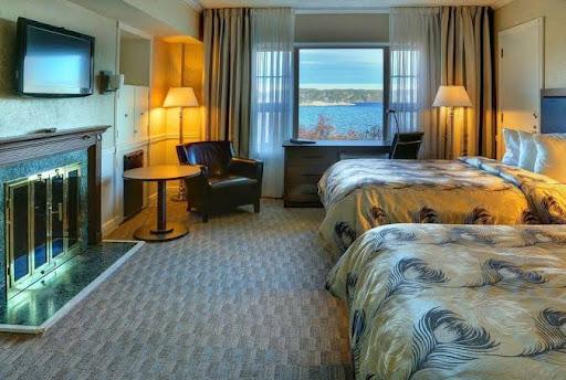 Luxury Hotel Hôtel Le Manoir in Baie-Comeau (QC) | CanaGuide