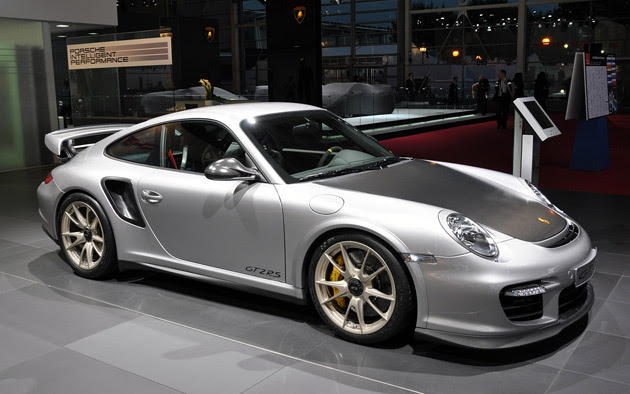 2011 Porsche 911 GT2 RS simply begs to be flogged