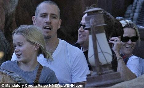 Espelho de imagem: Ava e Reese puxou faces idênticas após a splashdown