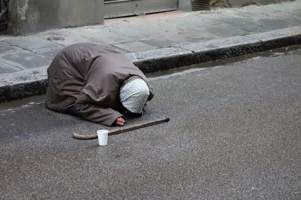 Les évêques européens  appellent à une approche intégrale contre la pauvreté