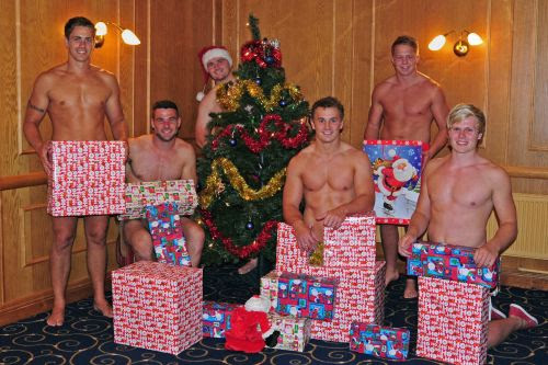 It's Beginning To Look A Lot Like Christmas! Would Love To Find Aled Thomas, Mike Phillips, Ken Owens, Jonathan Davies, James Davies Or Daniel Thomas Under My Tree. Nadolig Llawen!