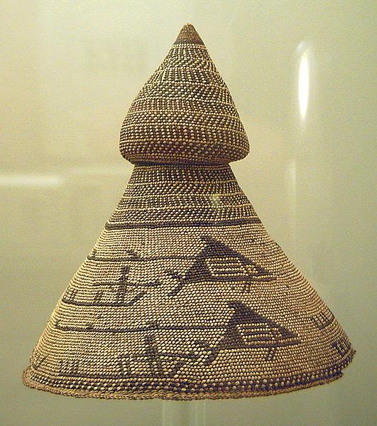 File:Sombrero de jefe de balleneros Nutka (M. América Inv.13570) 01.jpg