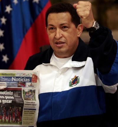Chávez regresa a Venezuela tras ser operado de cáncer en Cuba