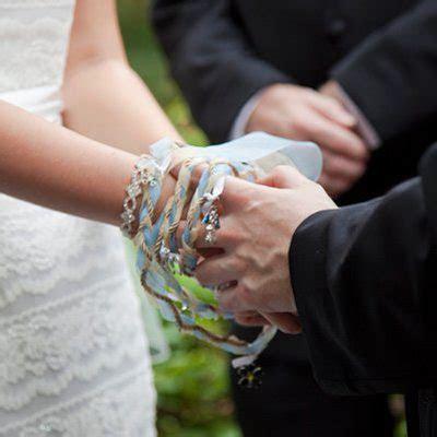 Old Irish Wedding Traditions   Perfect Ring