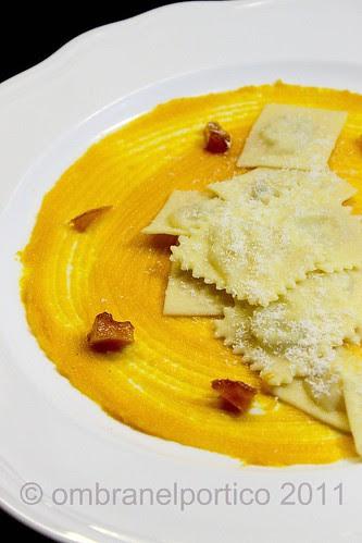 Tortelli ripieni di Burro Salato1889 Fattorie Fiandino, parmigiano e salvia