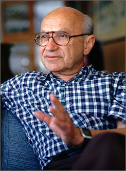 http://images.usatoday.com/news/_photos/2006/passages/milton-friedman.jpg
