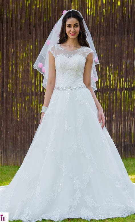 Designer Scoop Neck Wedding gown