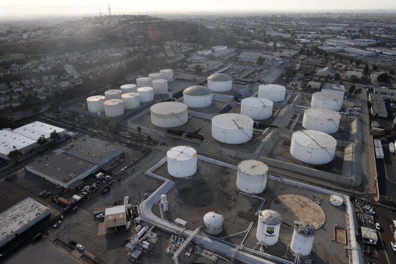 Oil rises to fresh multi-year highs on demand recovery By Reuters