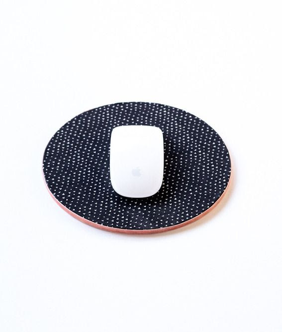 Curbly patterned mousepad from a cork mat how to