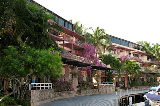 Appartments and shops at Boat Lagoon