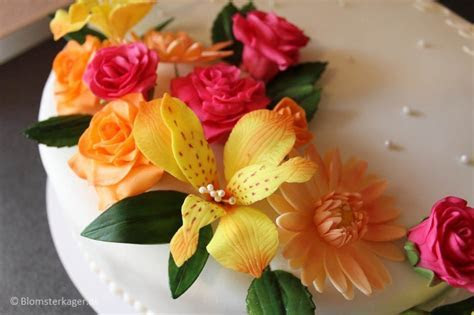 How to make fondant Alstroemerias for a wedding cake