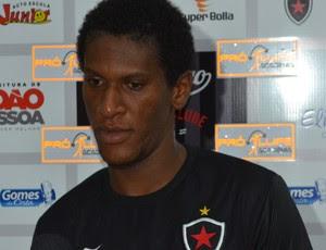 Alex Cazumba, Botafogo-PB, lateral-esquerdo (Foto: Amauri Aquino / GloboEsporte.com/pb)