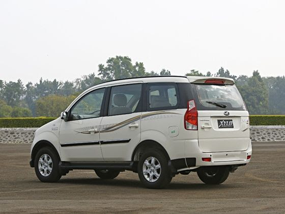 2015 Mahindra Xylo review rear