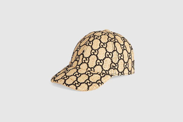 7ca7ff69a853f7 Gucci dévoile une casquette en raphia monogrammée