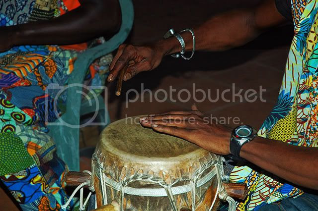 African Drummer in Barcelona [enlarge]