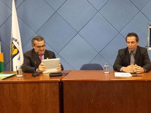 O secretário de Segurança, Luiz Baggio, e o vereador Tico Costa, na Câmara (Foto: Fernando Pacífico / G1 Campinas)