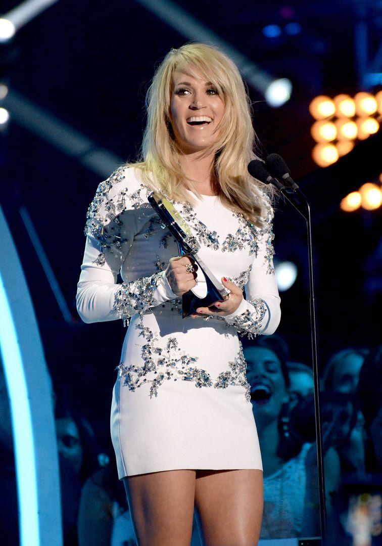 Carrie Underwood : 2015 CMT Awards photo gty_476606810_73696036.jpg