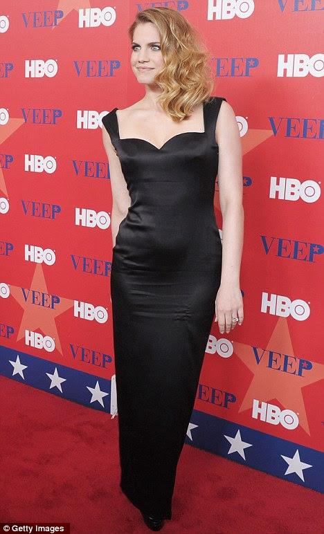 Dazzling: ex-estrela infantil Anna Chlumsky bateu esta noite o tapete vermelho em Nova York para uma festa de triagem para ela Veep nova TV