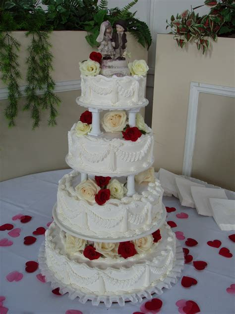Genesee Bakery and Deli   Wedding Cakes