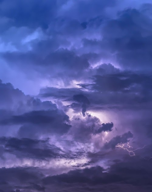 Beautiful Aesthetic Dark Clouds Iphone Wallpaper Photos