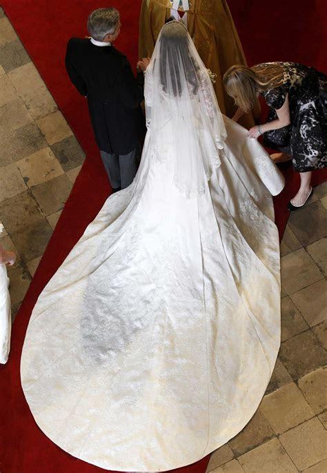 Royal Wedding: Kate Middleton's Dress   TIME