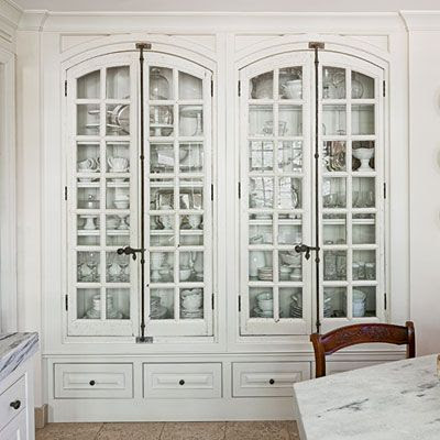 built in china cabinet...gorgeous doesn't begin to describe it