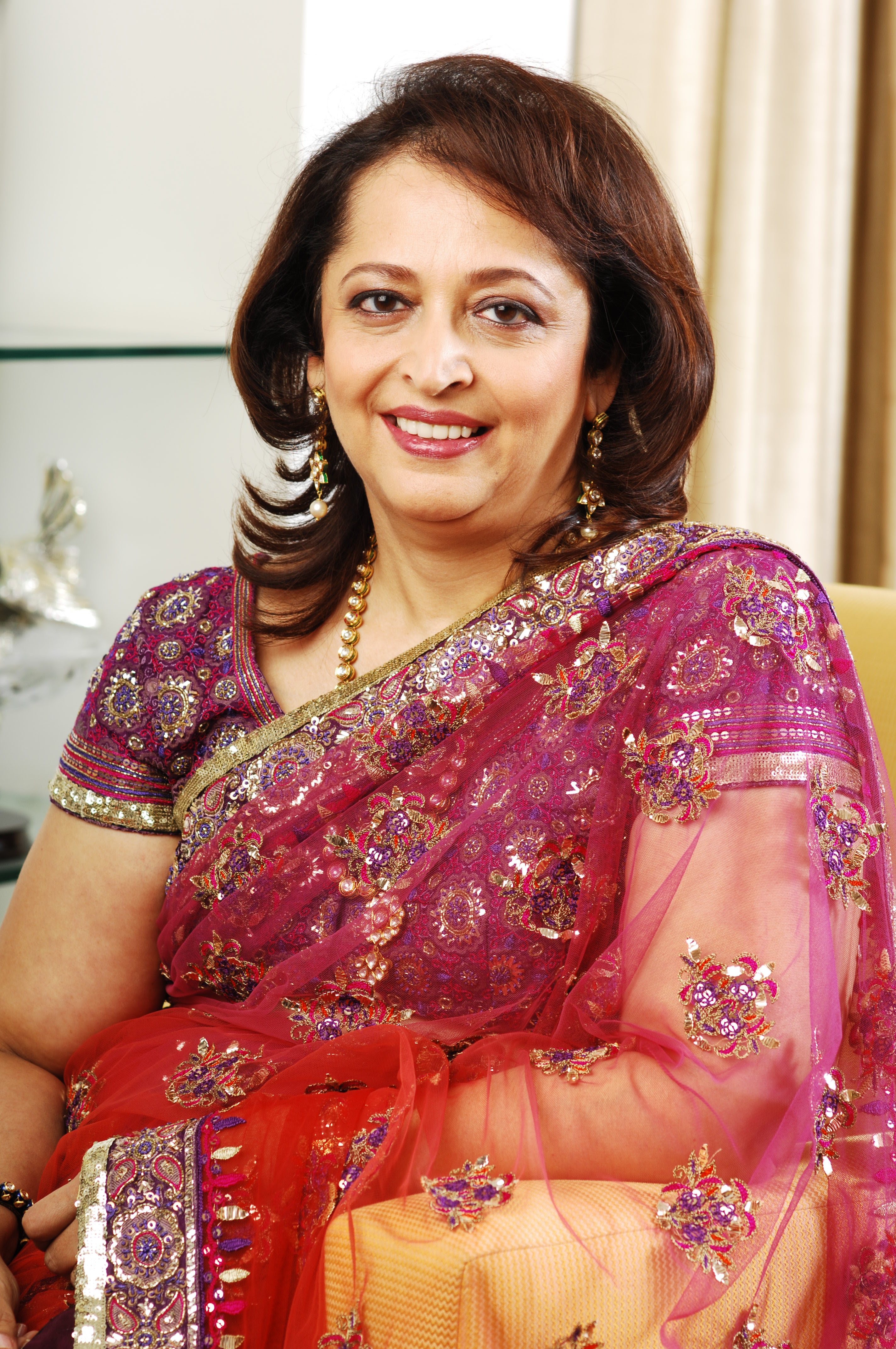 Swati Piramal Indian leading scientists and industrialists beautiful wallpapers