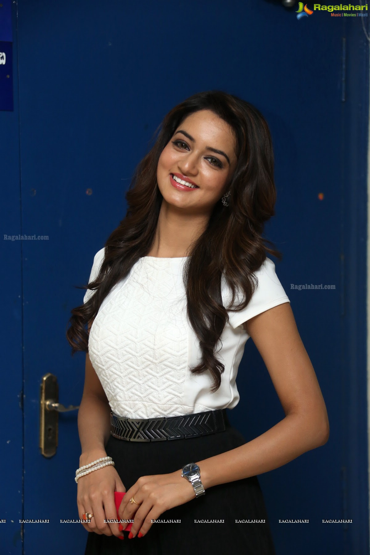 Shanvi Ragalahari / Beautiful Actress Shanvi Srivastava ...