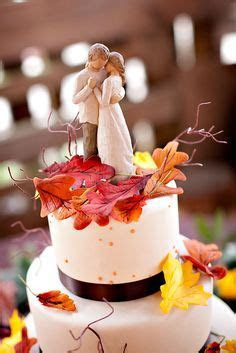Robin Hood and Maid Marian wedding cake topper. OMG! I am