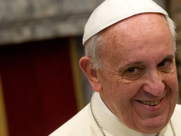 Papa Francisco durante audiência da Cúria neste sábado (21) (Foto: AFP)