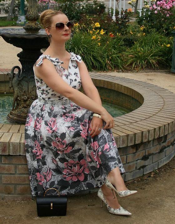 photo vintage-rose-dress-5_zpsef8d5b9e.jpg