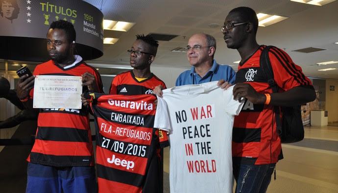 Espaço Rubro-Negro marca gol de placa empregando refugiados