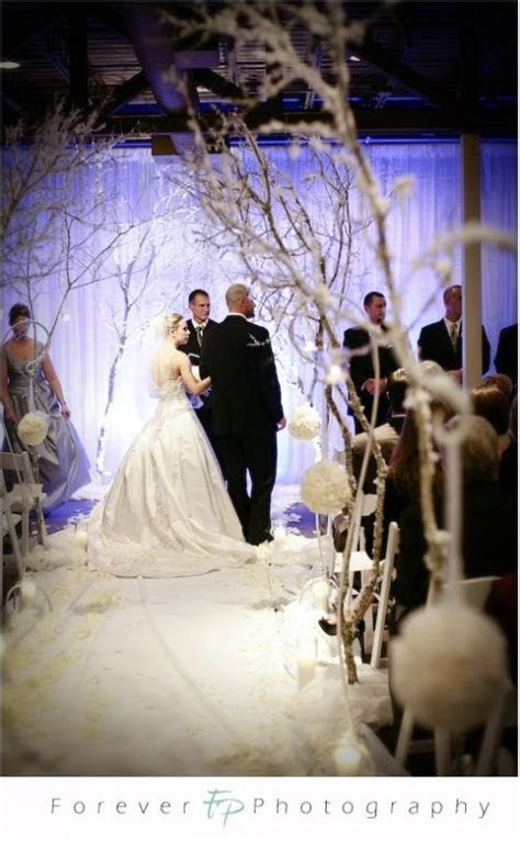 17 Best ideas about Winter Wedding Ceremonies on Pinterest