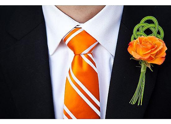 Check out this dashing combination featuring an orange rose with mizuhiki cord.
