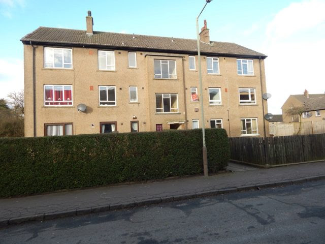 2 bedroom Flat to rent in Crathie Place Dundee DD4
