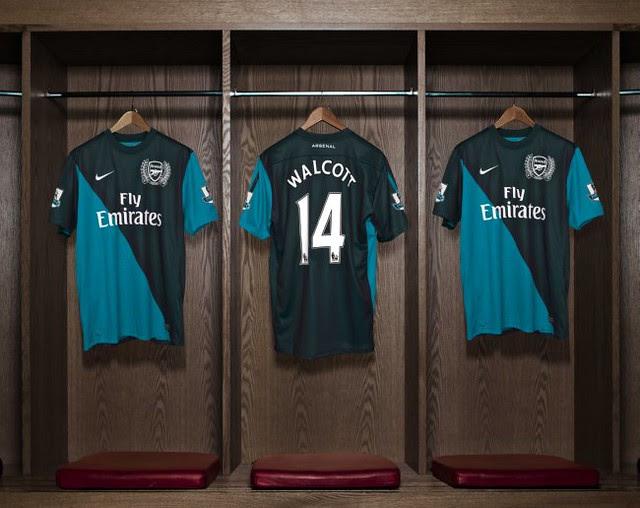 Arsenal Away 2011-2012