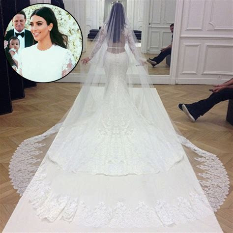 Kim Kardashian?s Givenchy Wedding Gown Ripped Minutes