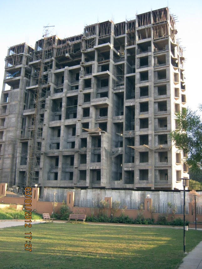 Club House & E 1 Building - 2 BHK Flats, Possession October 2012, at Nirman Viva, Ambegaon Budruk, Pune