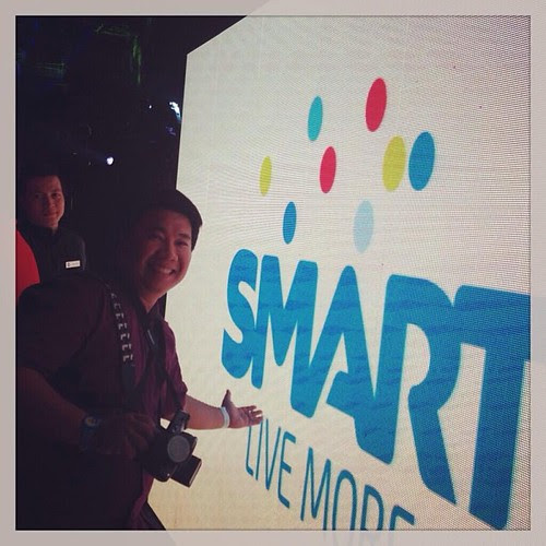 Thanks @joeyalarilla  for this pic .. Yeah @popazrael is here at #smartmusic