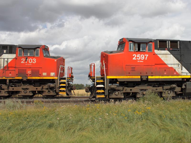 CN 2597 and IC 2703 near Winnipeg