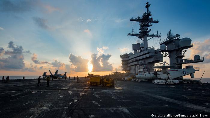 USS Carl Vinson (CVN-70) nukleargetriebener Flugzeugträger der United States Navy (picture-alliance/Zumapress/M. Brown)