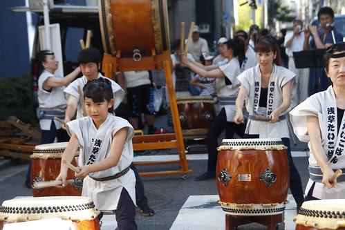 Taiko performance at Kappabashi 4
