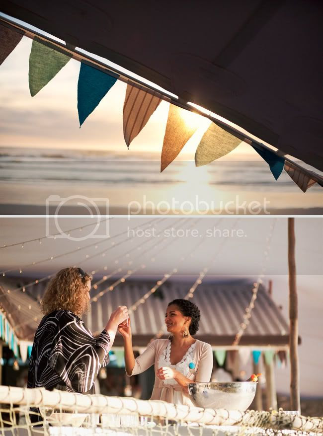 http://i892.photobucket.com/albums/ac125/lovemademedoit/welovepictures/StrandKombuis_Wedding_095.jpg?t=1324655113