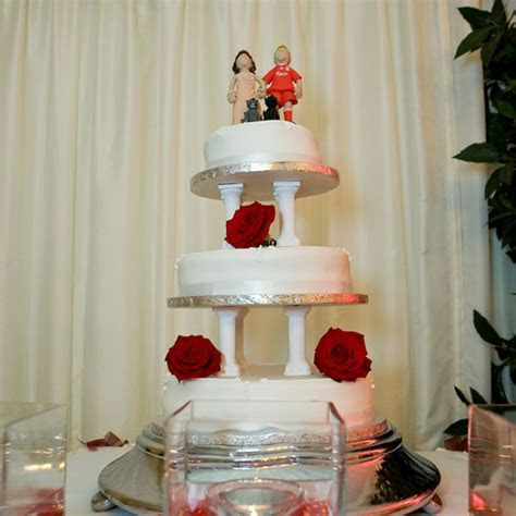 Wedding Cake Toppers On Their Cakes   Totally Toppers.com