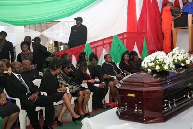 Corpse Of Ojo Maduekwe Arrives Government House Umuahia (Photos)