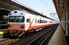 EMU1200型