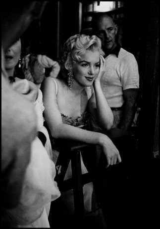 UNITED STATES—Marilyn Monroe watching the filming of Desirée, 1953. © Dennis Stock / Magnum Photos
