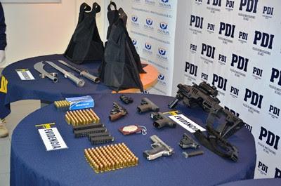 La investigación permitió incautar droga y varias armas de fuego.