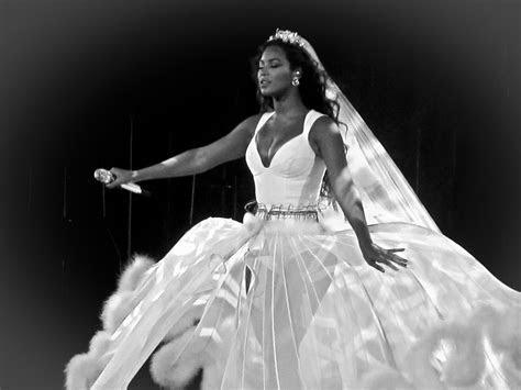 Beyonce?s 2008 Wedding Dress Revealed!