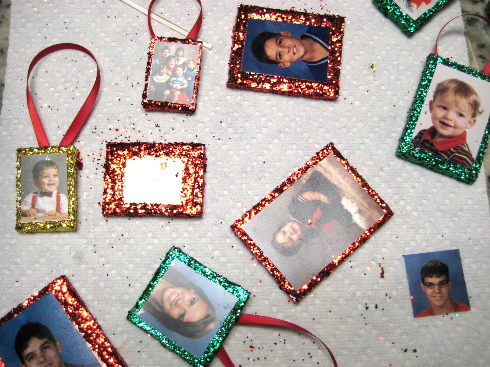 Christmas Craft 12 Family Tree Ornaments Craft